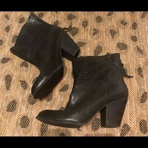 Nine West ankle bootie